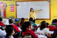 Maestra con clase.jpg