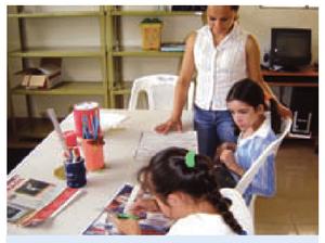 Niños y maestra - Estrategias.png